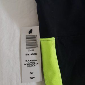 BNWT Aritzia TNA Leggings in Black/Neon Sunray